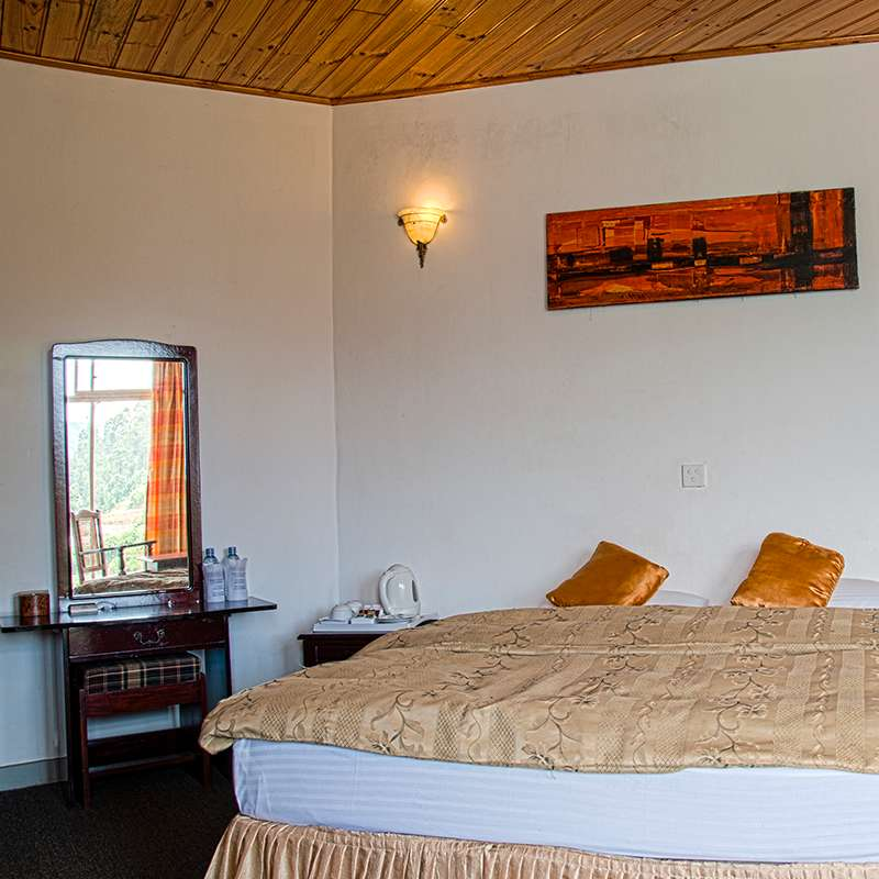Deluxe Room Bedding at Oak Ray Summer Hill Breeze Nuwara Eliya