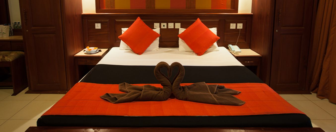Bedding in the Deluxe Room at Pelwehera Village Resort Dambulla