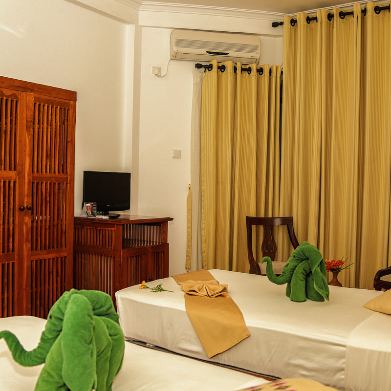 Deluxe Double Rooms at Senani Hotel