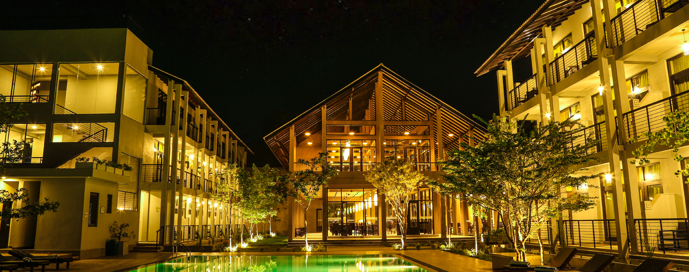 Night View of Oak Ray Wild Yala