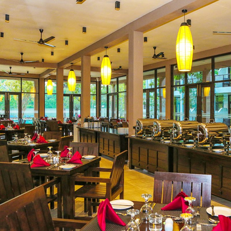 Spacious Dining Area at Oak Ray Wild Yala